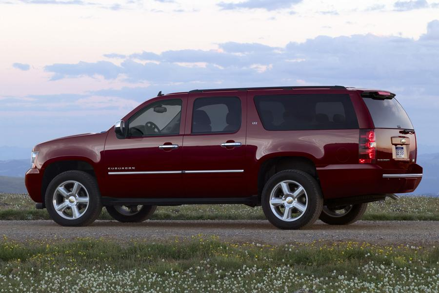 2014 chevrolet suburban specs pictures trims colors. Cars Review. Best American Auto & Cars Review