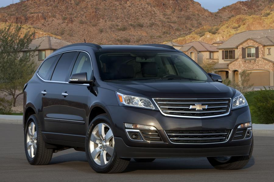 Chevy Traverse Mpg >> 2014 Chevrolet Traverse Specs, Pictures, Trims, Colors || Cars.com