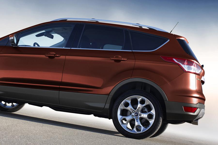 2014 Ford Escape Photo 2 of 16