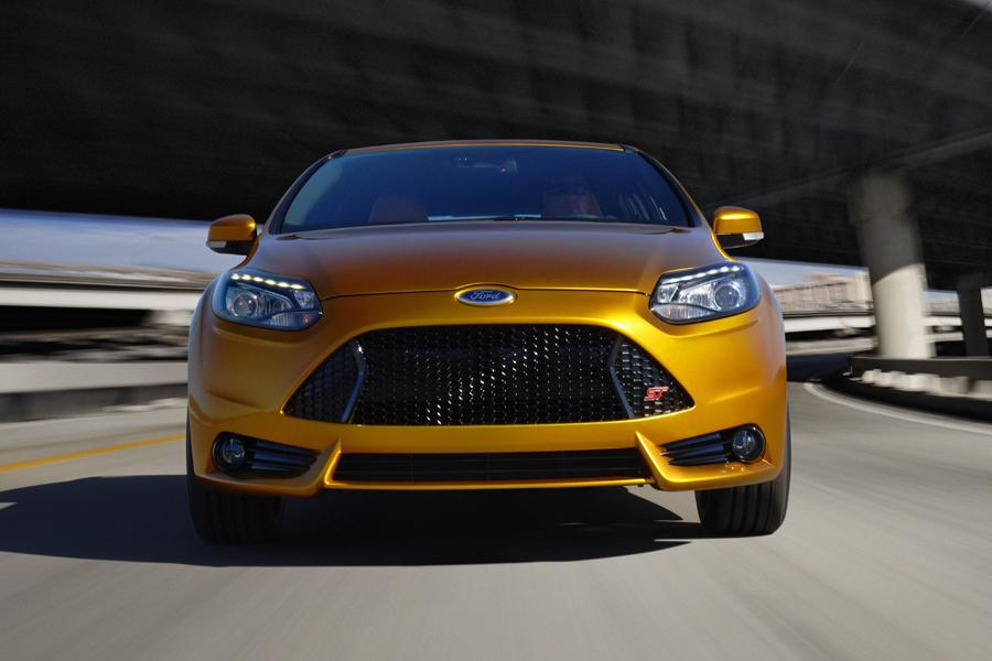 2014 ford focus st specs pictures trims colors. Black Bedroom Furniture Sets. Home Design Ideas
