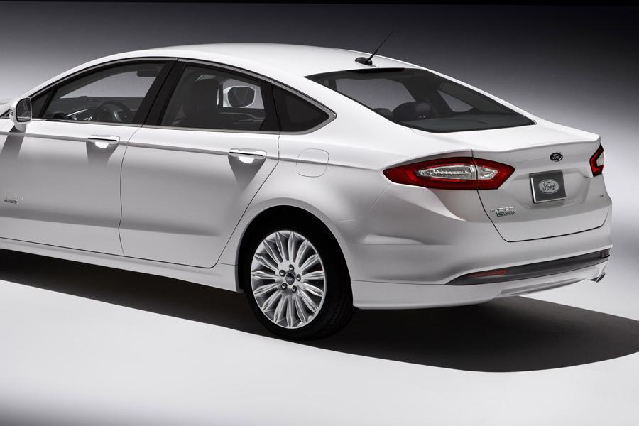 2014 Ford Fusion Energi Photo 5 of 9