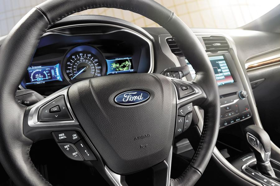 2014 Ford Fusion Hybrid Photo 5 of 5