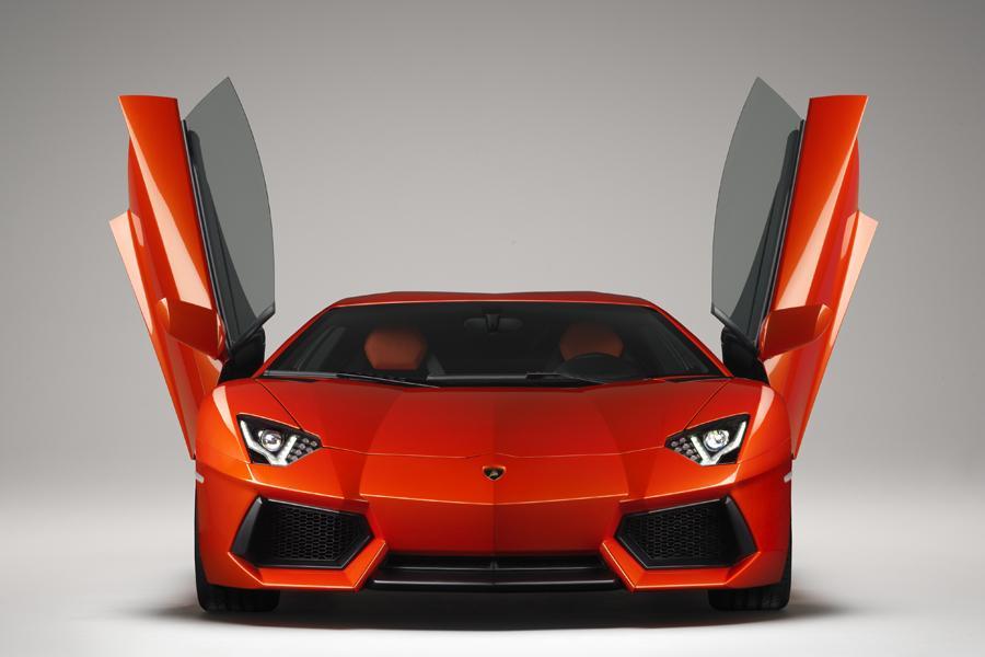 2013 Lamborghini Aventador Photo 2 of 28
