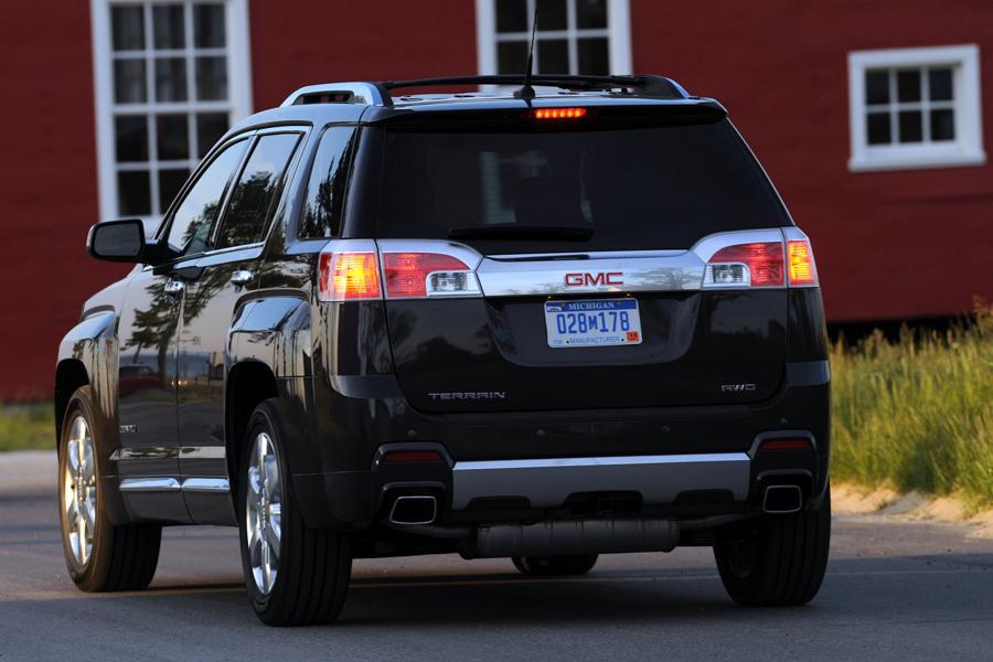 2015 Ford Escape Colors >> 2014 GMC Terrain Specs, Pictures, Trims, Colors || Cars.com
