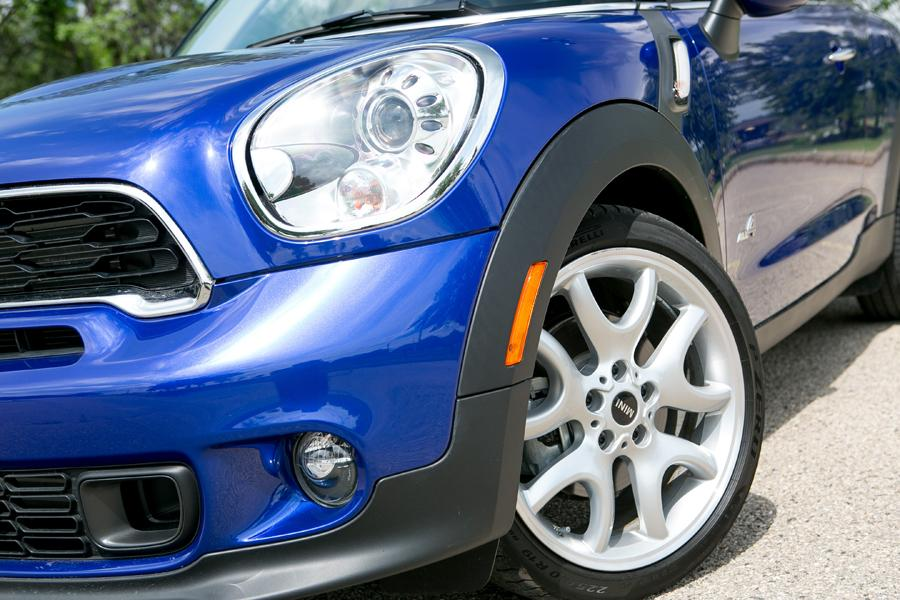 2013 MINI Paceman Photo 2 of 40