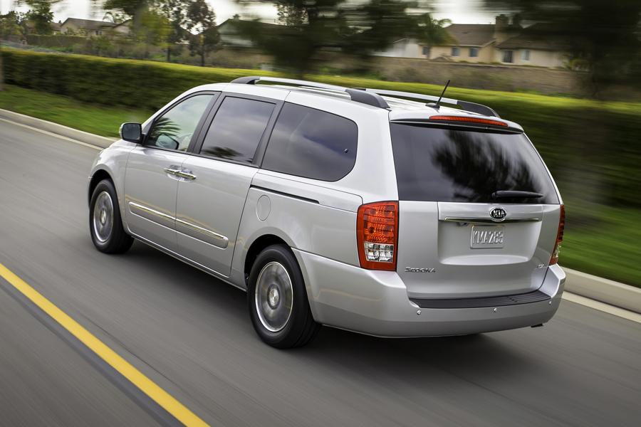 2014 Kia Sedona Photo 3 of 14