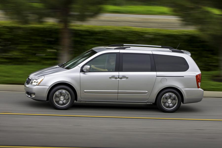 2014 Kia Sedona Photo 5 of 14