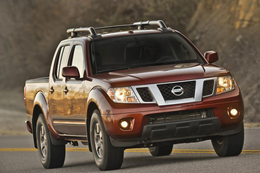 2013 Nissan Frontier Photo 3 of 28