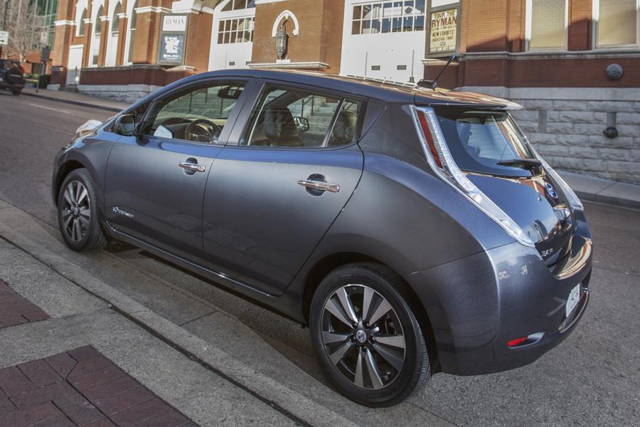 2013 Nissan Leaf Photo 2 of 40