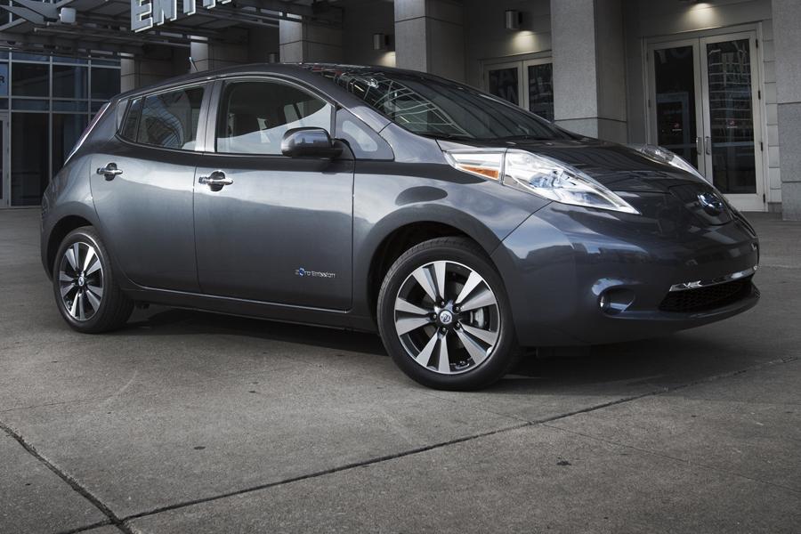 2013 Nissan Leaf Photo 4 of 40
