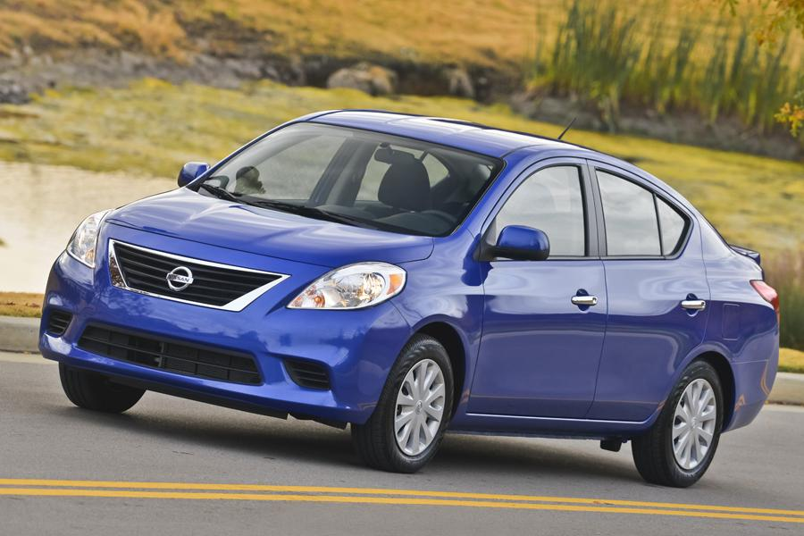 2013 Nissan Versa Photo 6 of 24