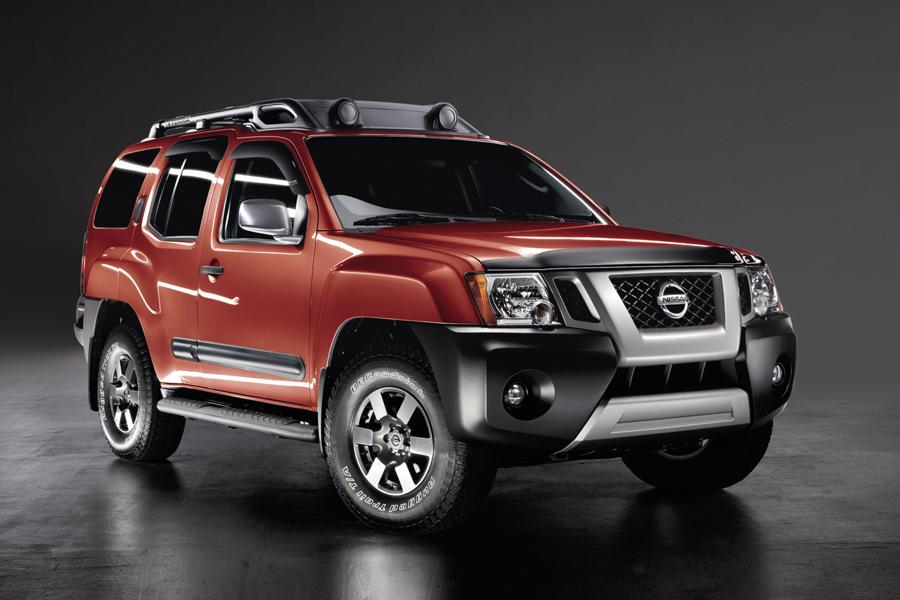 2013 Nissan Xterra Photo 2 of 40