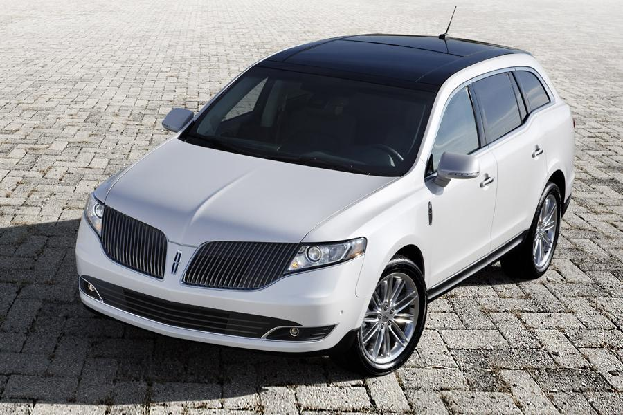 2014 Lincoln MKT Photo 2 of 19