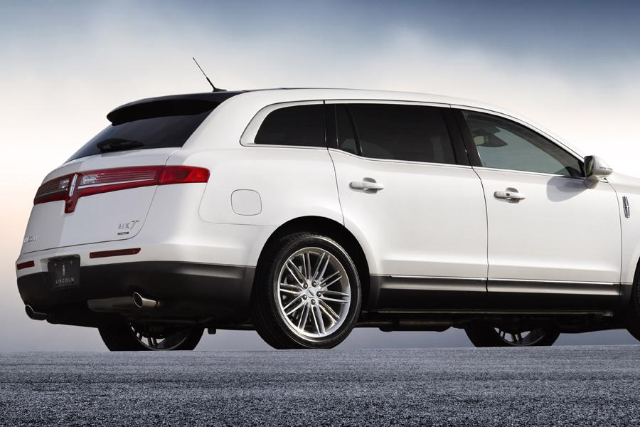 2014 Lincoln MKT Photo 3 of 19