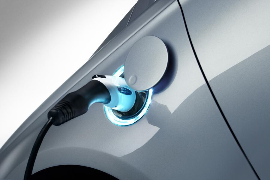 2013 Ford Fusion Energi Photo 5 of 11