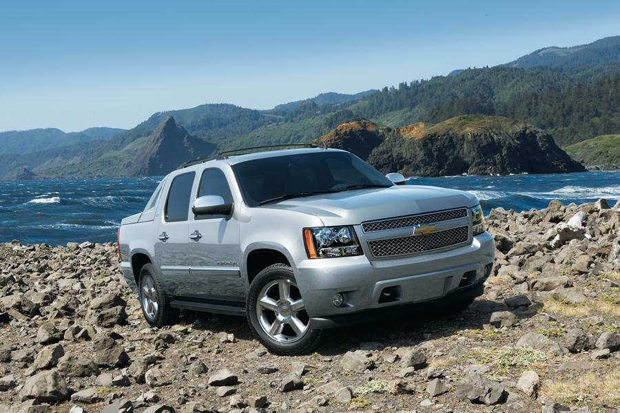 2012 Chevrolet Avalanche Photo 1 of 8