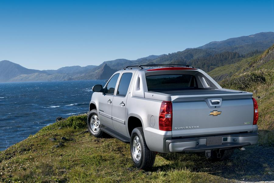 2012 Chevrolet Avalanche Photo 4 of 8