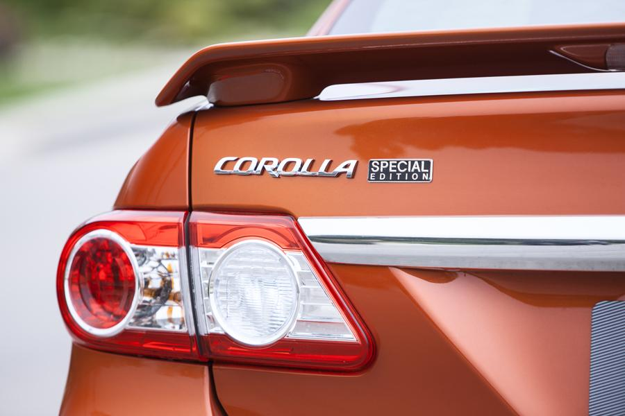 2012 Toyota Corolla Photo 4 of 21