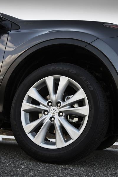 2012 Toyota RAV4 Photo 5 of 25