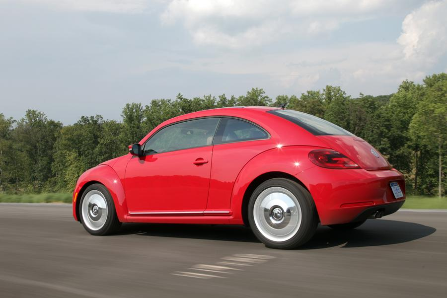 2012 Volkswagen Beetle Photo 2 of 18
