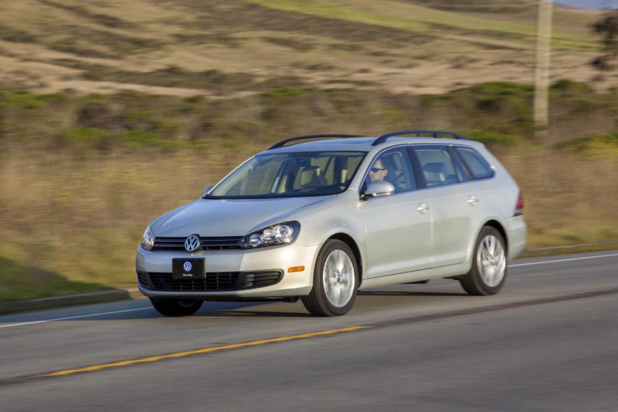 2012 Volkswagen Jetta SportWagen Photo 2 of 16