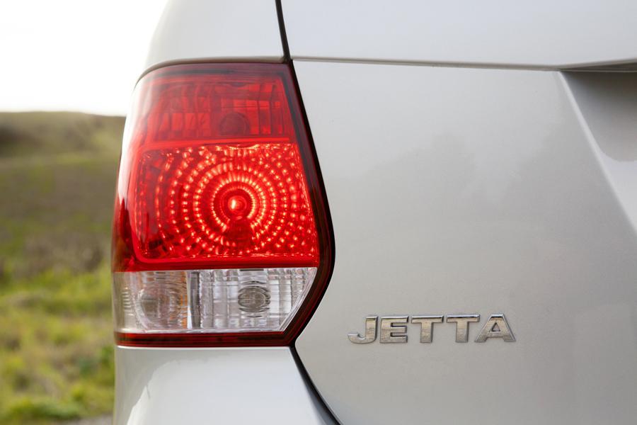 2012 Volkswagen Jetta SportWagen Photo 3 of 16