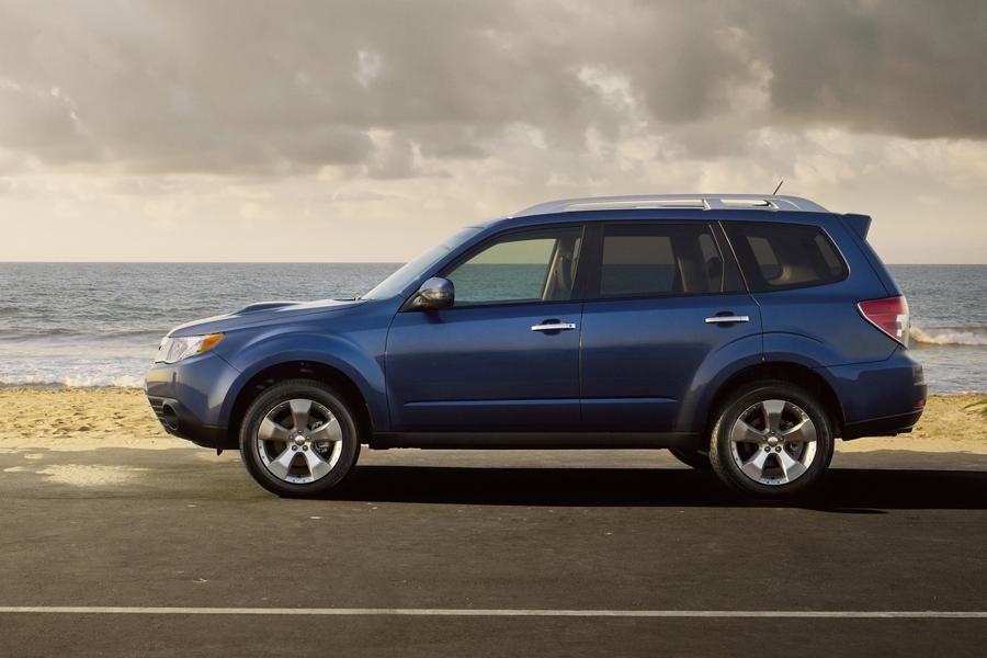 2013 Subaru Forester Photo 4 of 18