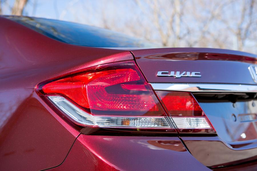 2013 Honda Civic Photo 4 of 19