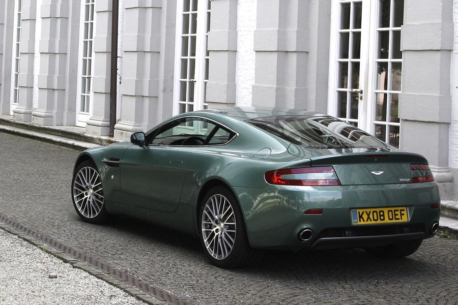 2013 Aston Martin V8 Vantage Photo 2 of 20