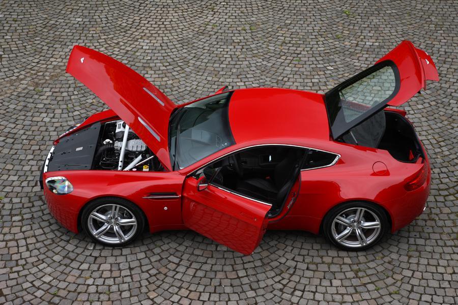 2013 Aston Martin V8 Vantage Photo 3 of 20