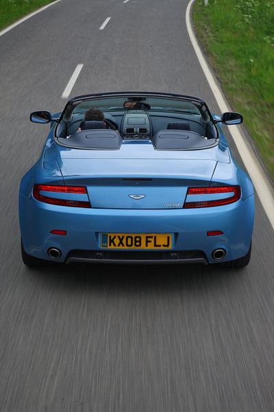 2013 Aston Martin V8 Vantage Photo 4 of 20