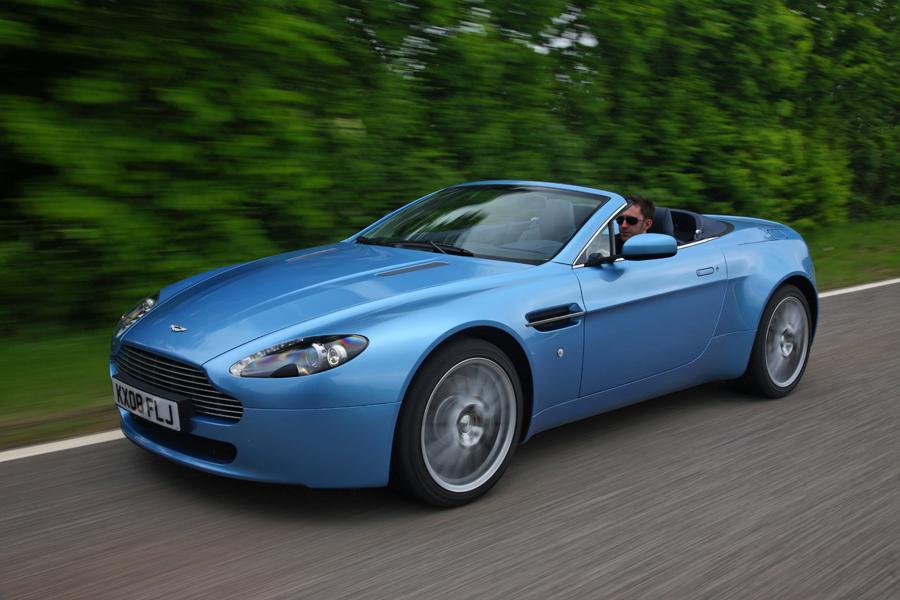 2013 Aston Martin V8 Vantage Photo 1 of 20