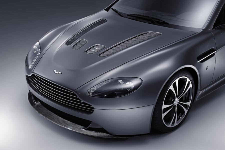 2013 Aston Martin V12 Vantage Photo 2 of 20
