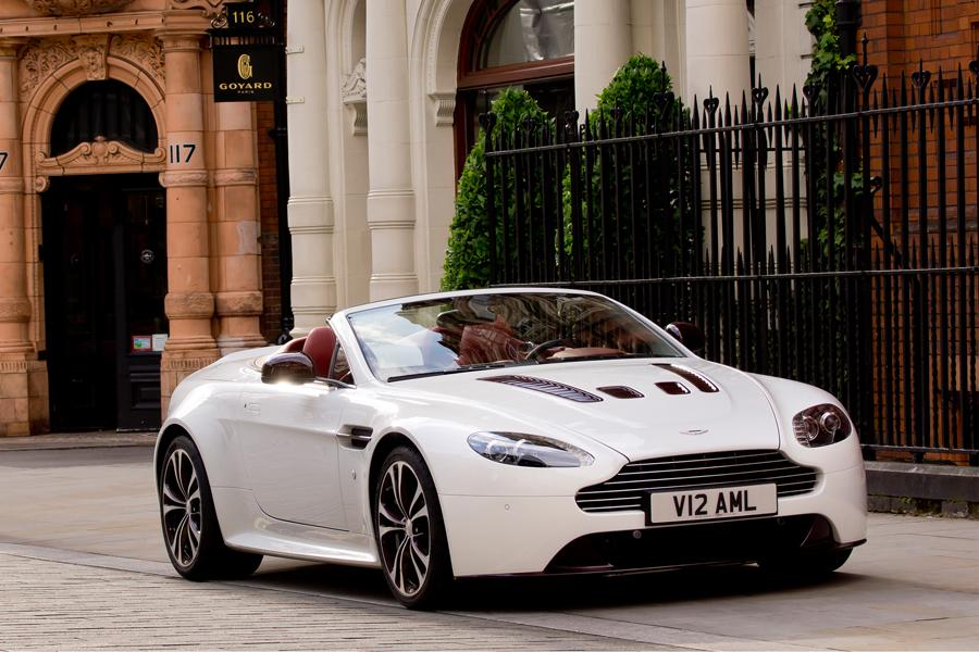 2013 Aston Martin V12 Vantage Photo 3 of 20