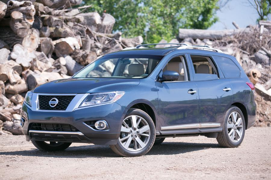 2013 Nissan Pathfinder Photo 1 of 38