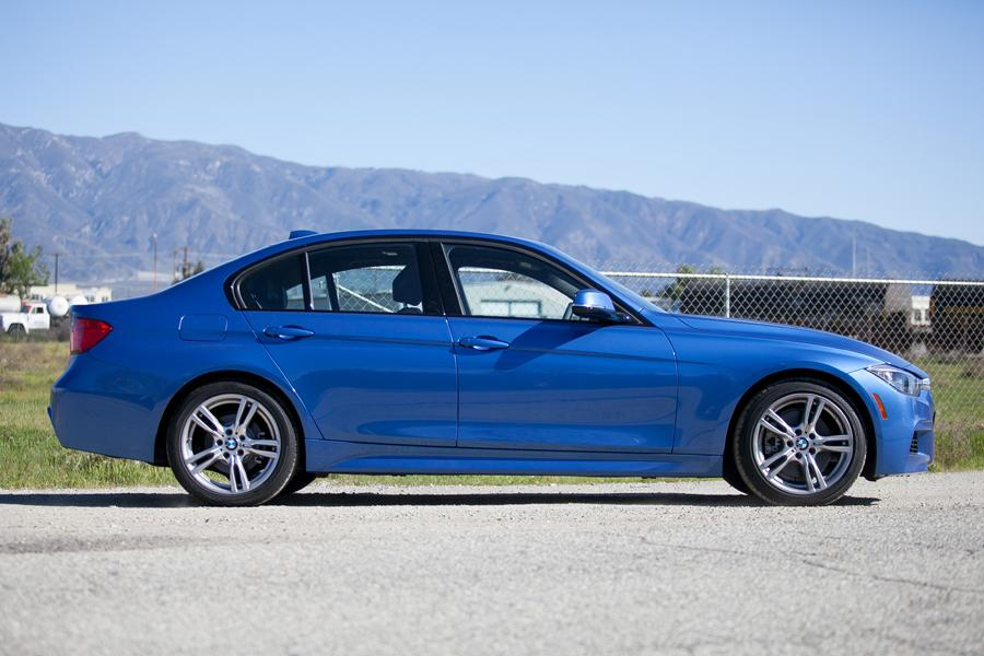 2013 BMW 328 Photo 2 of 17