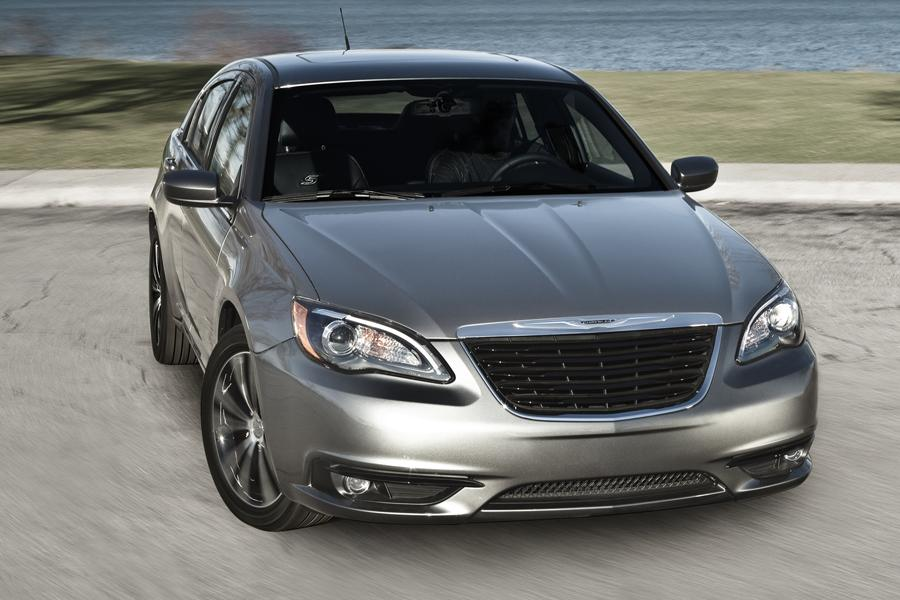 2014 Chrysler 200 Overview Cars Com