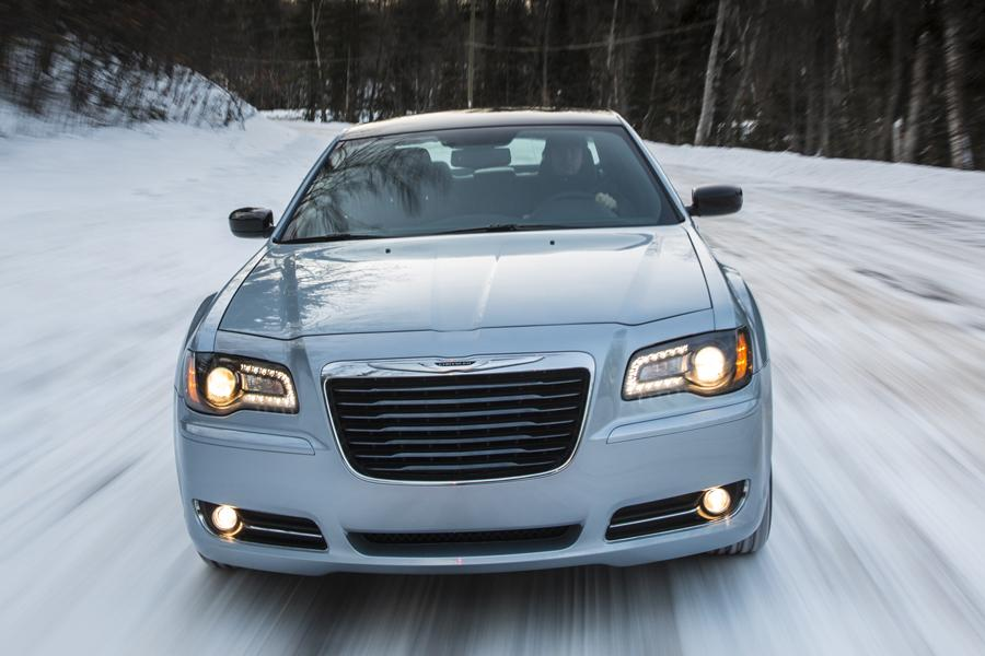 2014 Chrysler 300 Photo 3 of 9