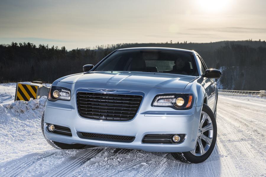 2014 Chrysler 300 Photo 2 of 9