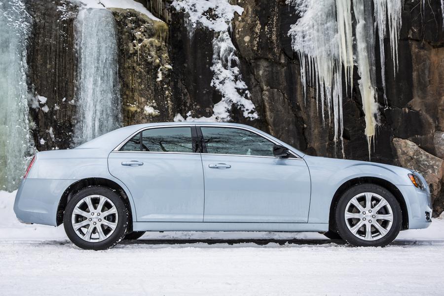 2014 Chrysler 300 Photo 5 of 9