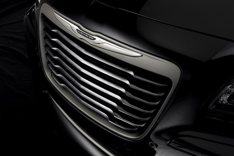 2014 Chrysler 300C Photo 3 of 16