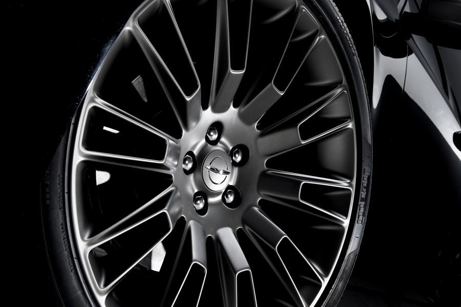 2014 Chrysler 300C Photo 2 of 16