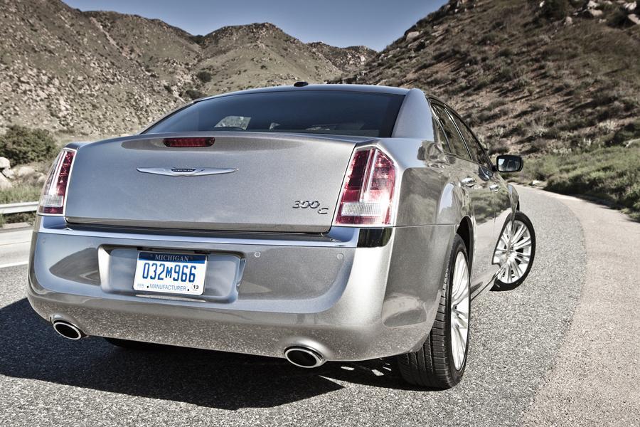 2014 Chrysler 300C Photo 4 of 16