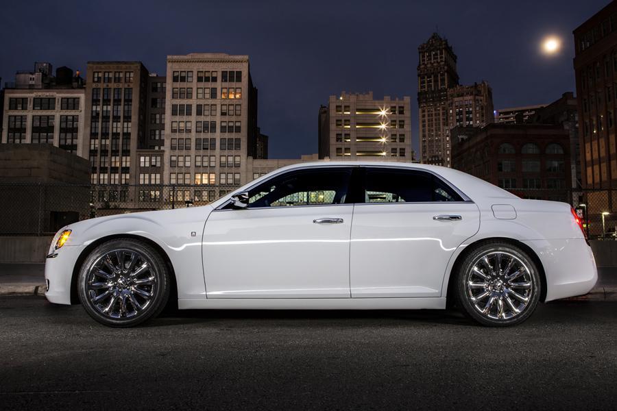 2014 Chrysler 300C Photo 5 of 16