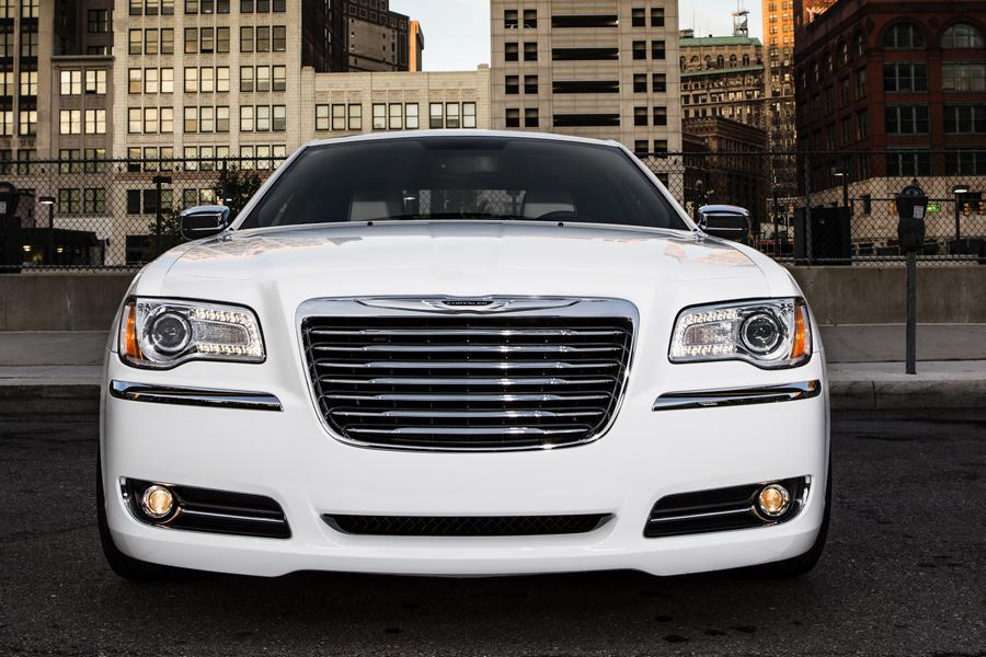 2014 Chrysler 300C Photo 6 of 16