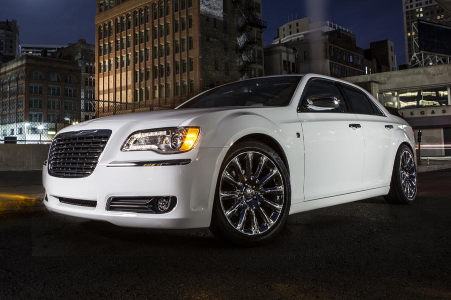 Powertrain Warranty Coverage >> 2014 Chrysler 300C Overview | Cars.com