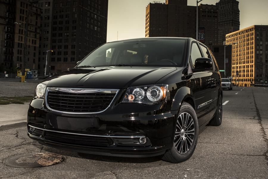 2008 Chrysler 300 For Sale >> 2014 Chrysler Town & Country Reviews, Specs and Prices | Cars.com