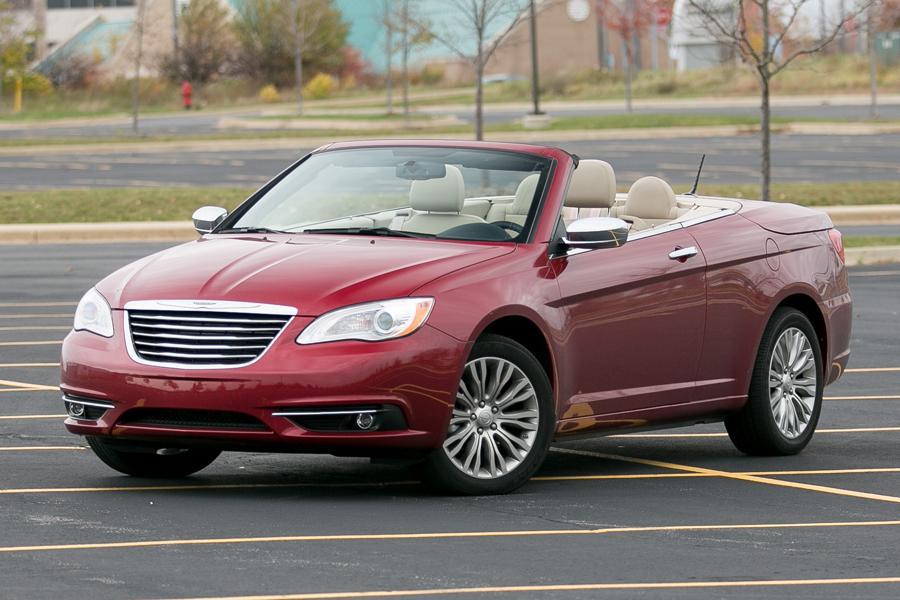 2013 Chrysler 200 Photo 2 of 69