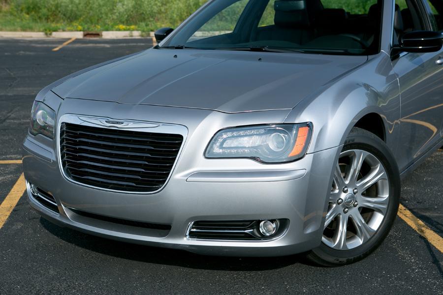 2013 Chrysler 300 Photo 6 of 35