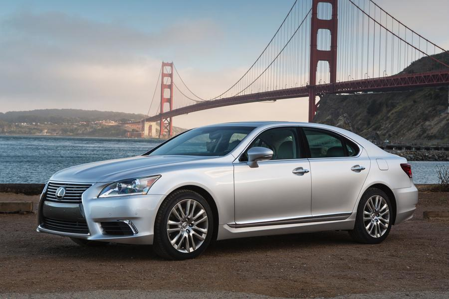 2013 Lexus LS 460 Photo 2 of 34